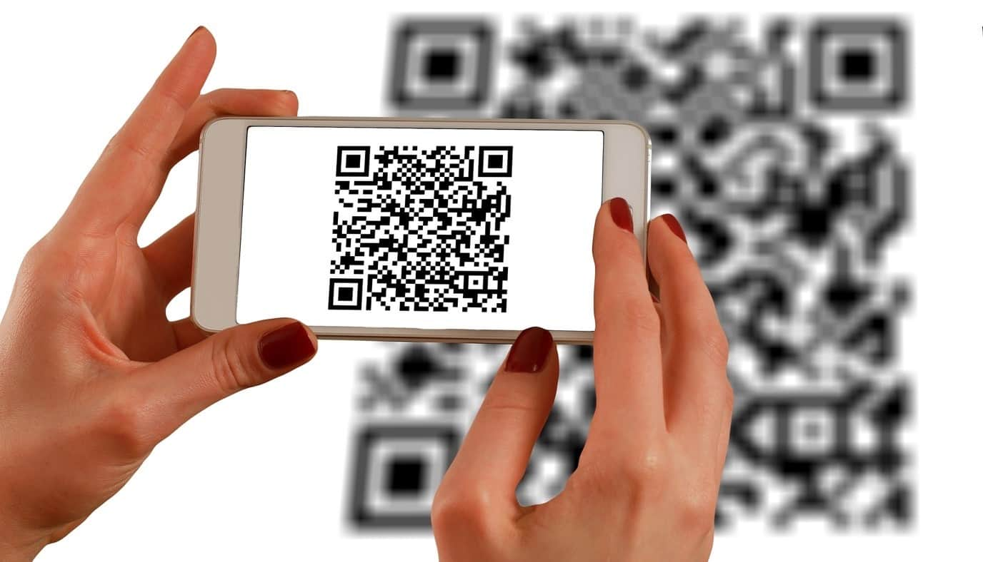 content/en-global/images/repository/isc/2020/9910/a-guide-to-qr-codes-and-how-to-scan-qr-codes-1.jpg