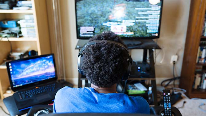 content/en-global/images/repository/isc/2021/disable_antivirus_gaming_image1_672155497_670x377px_300dpi.jpg